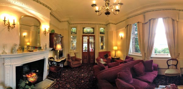 Click for a 360° view of the Ascot House lounge